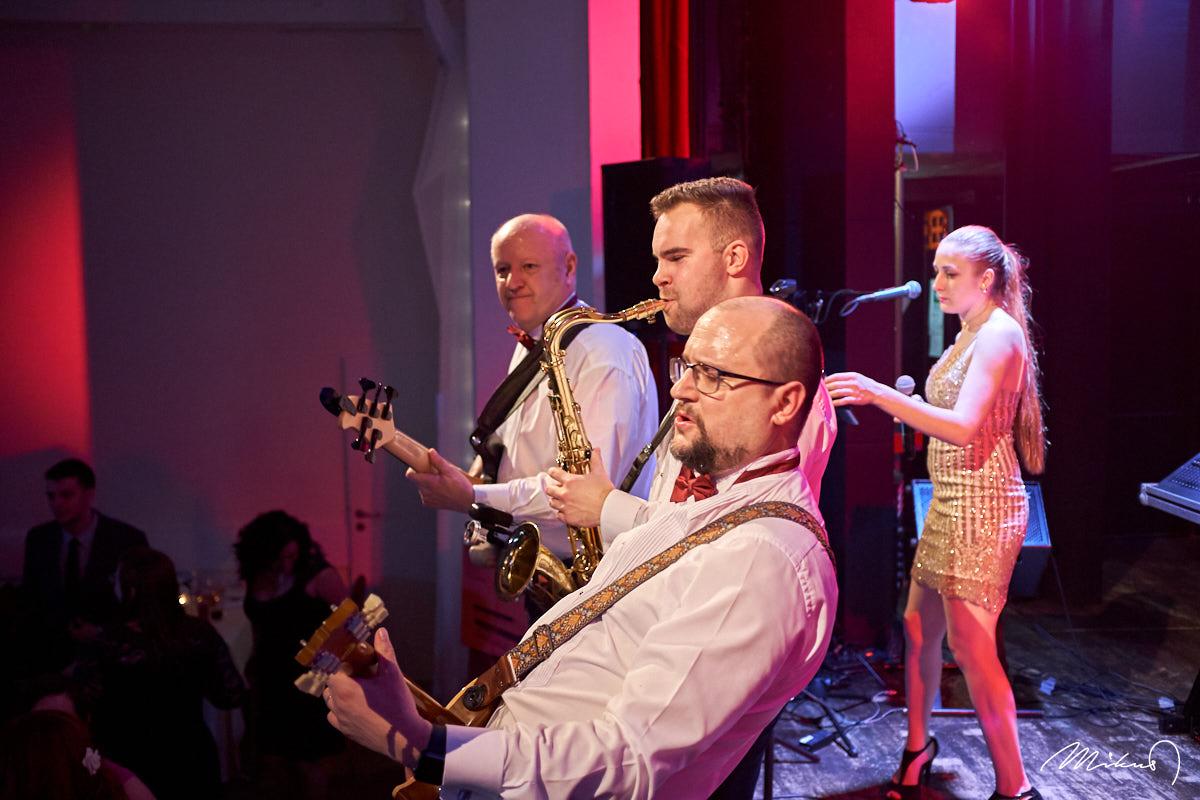 Rivieras Show Band, Ples, Příbor